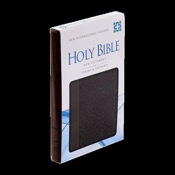 العهد الجديد مع المزامير والامثال باللغة الانجليزية NIV - لون بني