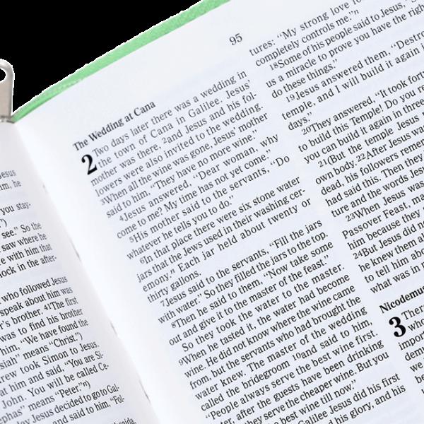 العهد الجديد باللغة الانجليزية المقاوم للماء NCV